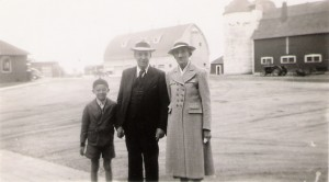 Deane, Dad Yeagley, Alice Yeagley, 1940